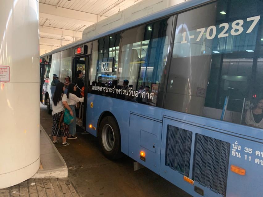 空港からのバス