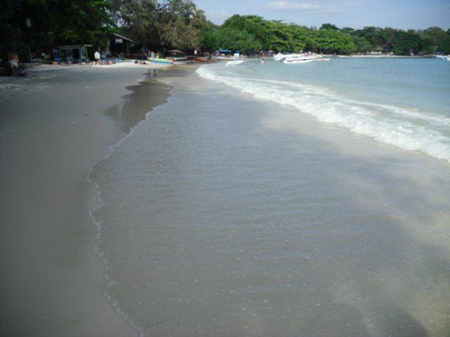 アオプラオビーチ